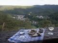 Picknick am Trippstein mit Blick zum Schloss Schwarzburg